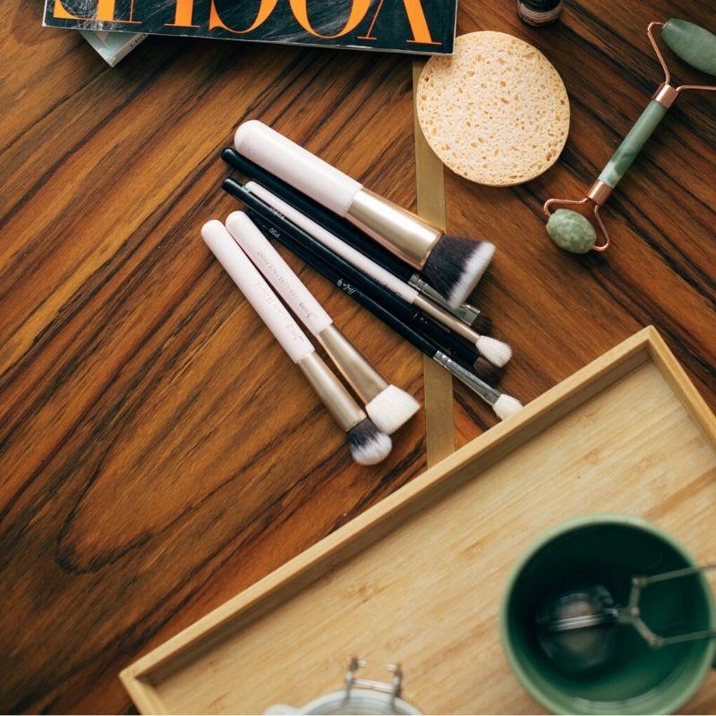 Maquillage bio ou écologique : découvrez les meilleures marques et produits de maquillage naturels